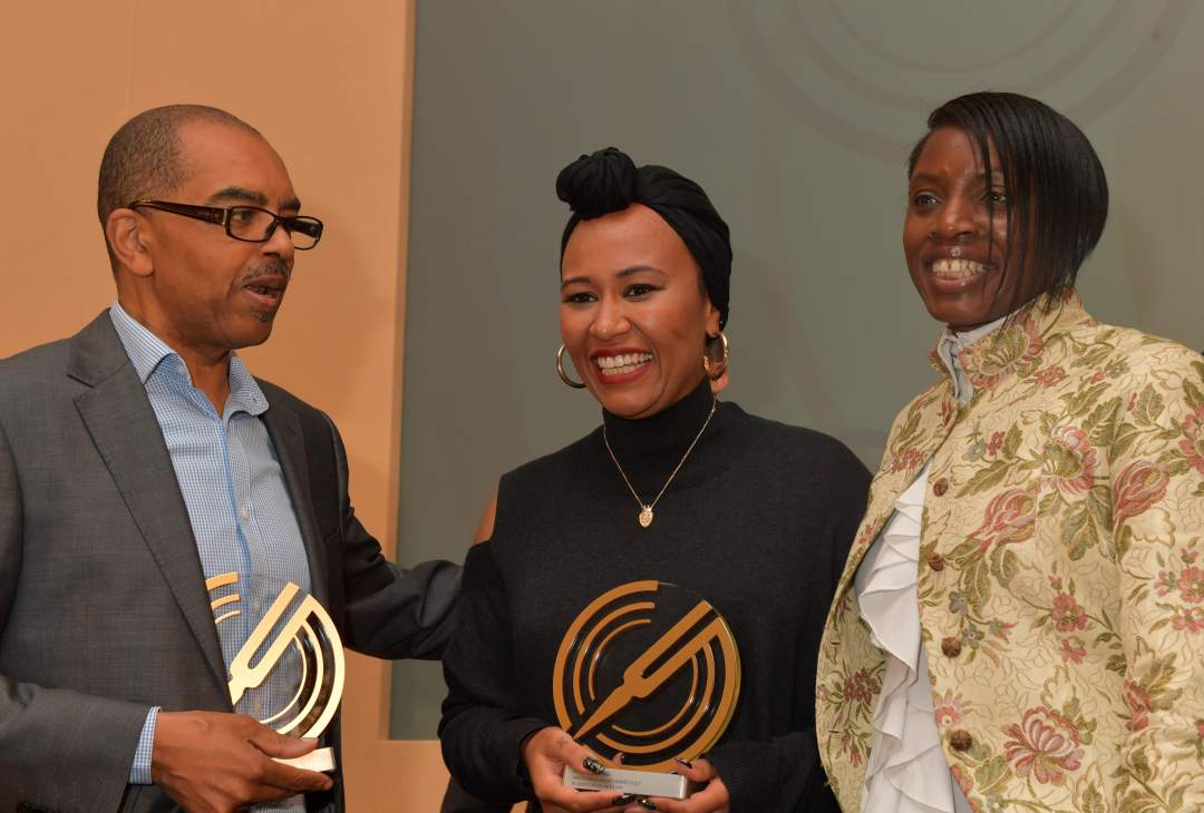 emeli-sande-with-gary-crosby-and-paulette-long-gold-badge-awards-2017-photo-mark-allan