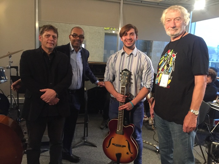 Howard Lawes/Nigel Price donate Fibonacci guitar